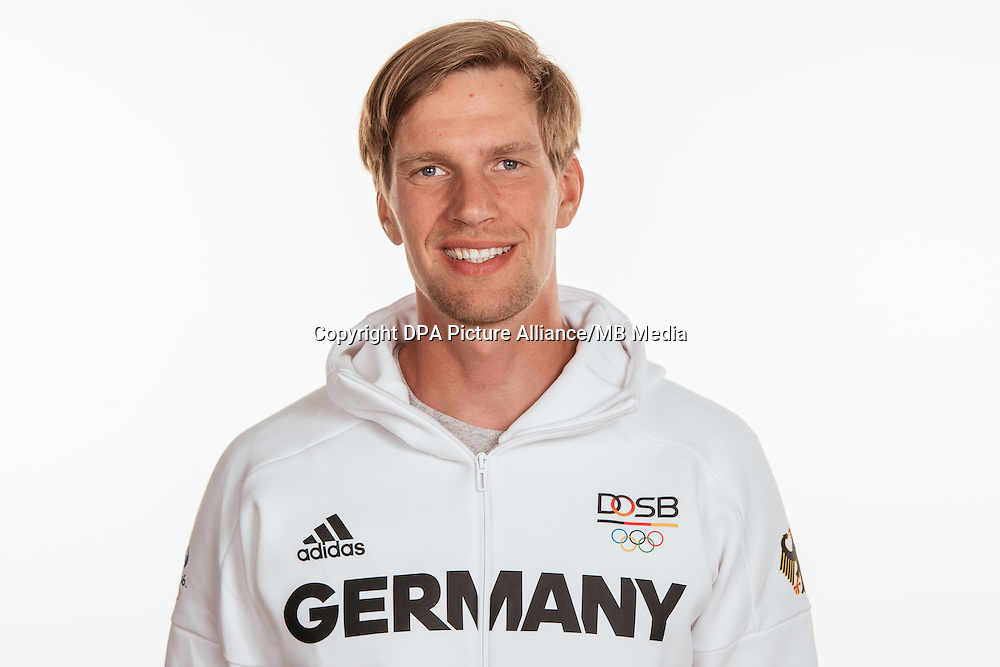 Maximilian Munski poses at a photocall during the preparations for the Olympic Games in Rio at the Emmich Cambrai Barracks in Hanover, Germany, taken on 14/07/16 | usage worldwide