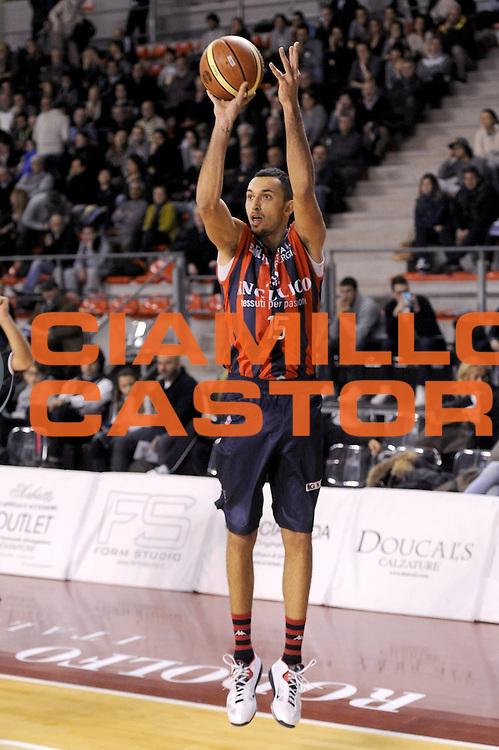 DESCRIZIONE : Ancona Lega A 2012-13 Sutor Montegranaro Angelico Biella<br /> GIOCATORE : Linos Chrisykopoulos<br /> CATEGORIA : tiro<br /> SQUADRA : Angelico Biella<br /> EVENTO : Campionato Lega A 2012-2013 <br /> GARA : Sutor Montegranaro Angelico Biella<br /> DATA : 02/12/2012<br /> SPORT : Pallacanestro <br /> AUTORE : Agenzia Ciamillo-Castoria/C.De Massis<br /> Galleria : Lega Basket A 2012-2013  <br /> Fotonotizia : Ancona Lega A 2012-13 Sutor Montegranaro Angelico Biella<br /> Predefinita :