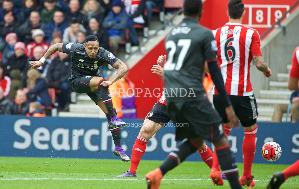 SOUTHAMPTON, ENGLAND - Sunday, March 20, 2016: Liverpool's Nathaniel Clyne in action against Southampton during the FA Premier League match at St Mary's Stadium. (Pic by David Rawcliffe/Propaganda)