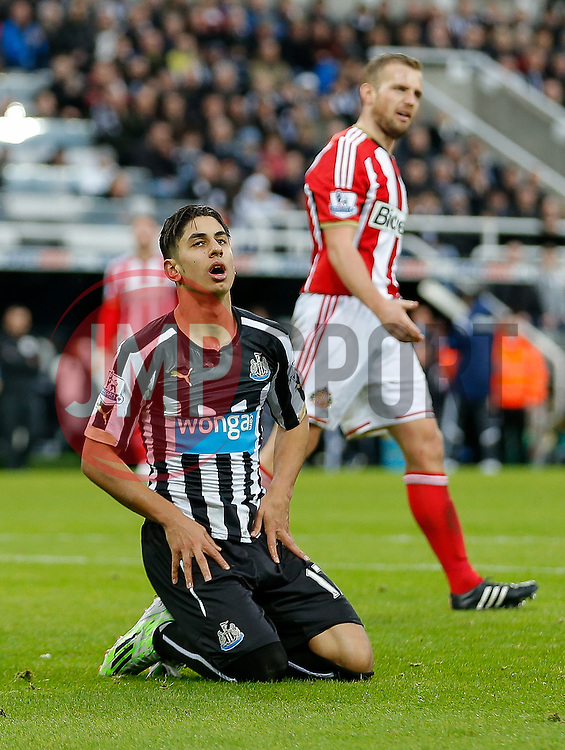 Ayoze Perez of Newcastle United looks dejected - Photo mandatory by-line: Rogan Thomson/JMP - 07966 386802 - 21/12/2014 - SPORT - FOOTBALL - Newcastle upon Tyne, England - St James' Park - Newcastle United v Sunderland - Tyne-Wear derby - Barclays Premier League.
