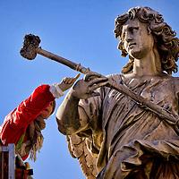 Manutenzione delle statue di ponte Sant' Angelo