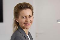 12 DEC 2005, BERLIN/GERMANY:<br /> Ursula von der Leyen, CDU, Bundesfamilienministerin, an ihrem Schreibtisch, in ihrem Buero, Bundesministerium fuer Familie, Senioren, Frauen, und Jugend<br /> Ursula von der Leyen, Federal Minister for family, Seniors, Women and Youth, in her office<br /> IMAGE: 20051212-01-041<br /> KEYWORDS: Büro