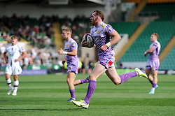 Max Bodilly of Exeter Chiefs runs in a try against Worcester Warriors - Mandatory byline: Patrick Khachfe/JMP - 07966 386802 - 14/09/2019 - RUGBY UNION - Franklin's Gardens - Northampton, England - Premiership Rugby 7s (Day 2)