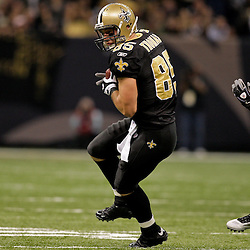 2009 November 02:  Atlanta Falcons safety Erik Coleman (26) pursues New Orleans Saints tight end David Thomas (85) in the first half during a 35-27 win by the Saints over the Falcons at the Louisiana Superdome in New Orleans, Louisiana.