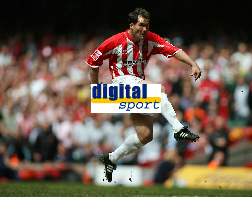 Photo: Rich Eaton.<br /> <br /> Grimsby Town v Cheltenham Town. Coca Cola League 2. Play off Final. 28/05/2006.<br /> <br /> Cheltenham's Steven Guinan shoots wide of goal