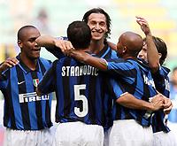 Fotball<br /> Italia<br /> Foto: Inside/Digitalsport<br /> NORWAY ONLY<br /> <br /> Dejan Stankovic (Inter) celebrates with teammates Olivier Dacourt, Zlatan Ibrahimovic, Douglas Sisenando Maicon (Inter) after scoring first goal<br /> <br /> 26.08.2007<br /> Inter v Udinese (1-1)
