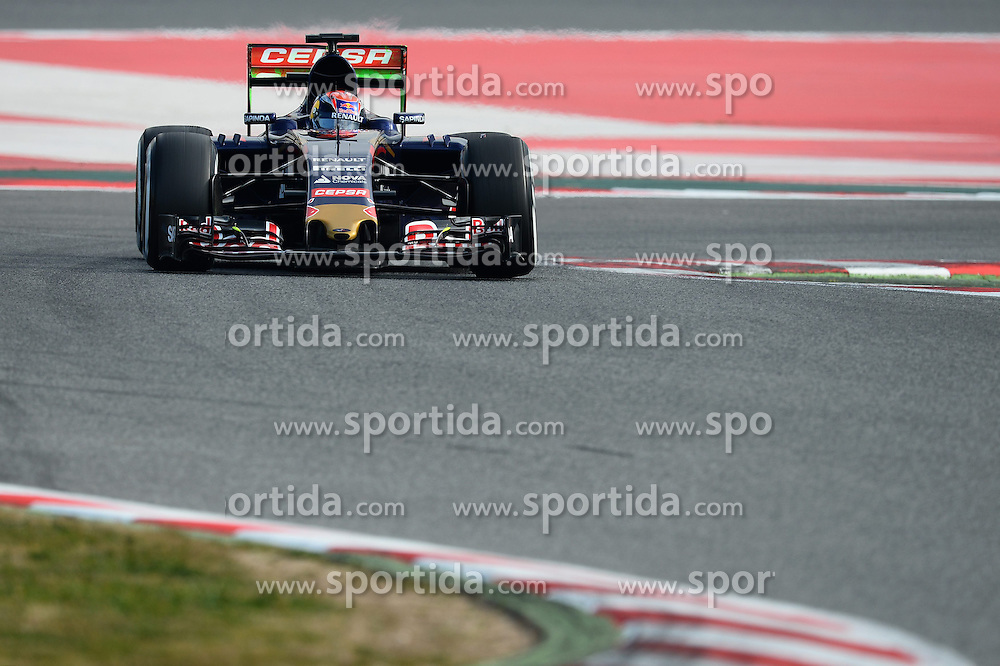 27.02.2015, Circuit de Catalunya, Barcelona, ESP, FIA, Formel 1, Testfahrten, Barcelona, Tag 2, im Bild Max Verstappen (NDL) Scuderia Toro Rosso STR10 // during the Formula One Testdrives, day two at the Circuit de Catalunya in Barcelona, Spain on 2015/02/27. EXPA Pictures &copy; 2015, PhotoCredit: EXPA/ Sutton Images/ Patrik Lundin Images<br /> <br /> *****ATTENTION - for AUT, SLO, CRO, SRB, BIH, MAZ only*****