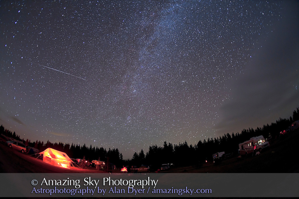 Shows unusual Perseid meteor varying in brightness? Or is this a satellite that mimics Perseid for position (it comes right out of the radiant point). <br /> <br /> Taken at SSSP, August 14, 2010, using Canon 5D MkII and 15mm lens.