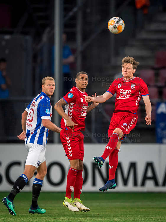 12-05-2018 NED: FC Utrecht - Heerenveen, Utrecht<br /> FC Utrecht win second match play off with 2-1 against Heerenveen and goes to the final play off / (L-R) Henk Veerman #20 of SC Heerenveen, Ramon Leeuwin #3 of FC Utrecht, Rico Strieder #6 of FC Utrecht