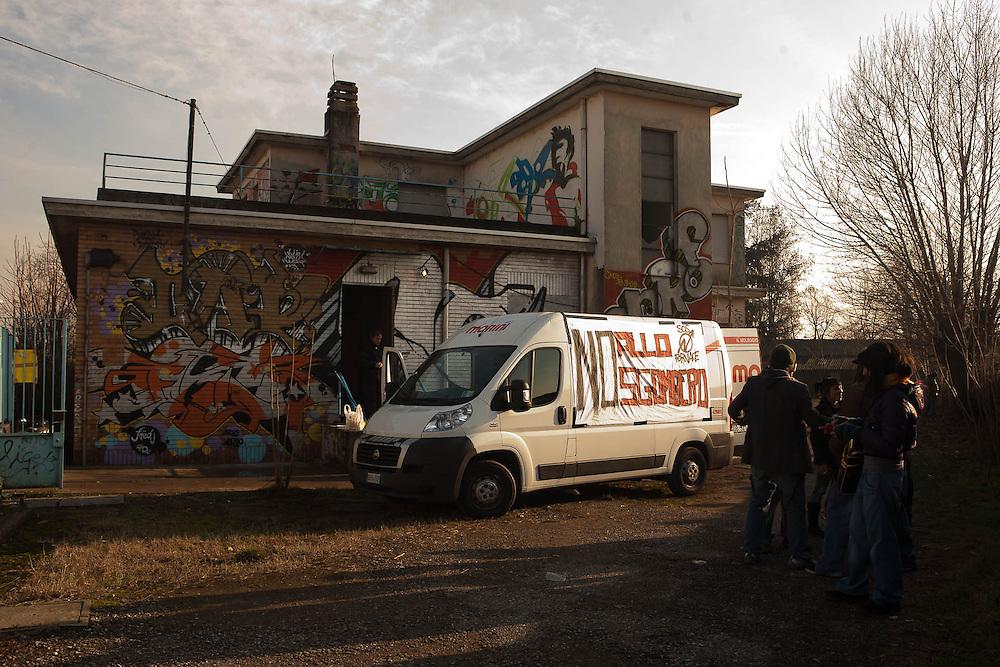 Fornace, Rho. 19 gennaio 2008. Primo corteo contro lo sgombero.