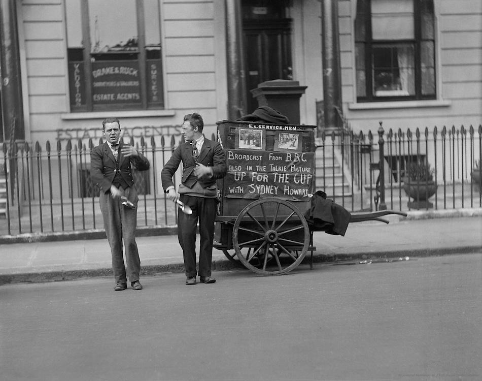 Street Performers, London, 1933