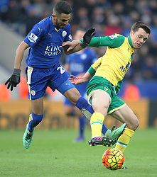 Riyad Mahrez of Leicester City (L) and Jonathan Howson of Norwich City in action - Mandatory byline: Jack Phillips/JMP - 27/02/2016 - FOOTBALL - King Power Stadium - Leicester, England - Leicester City v Norwich - Barclays Premier League