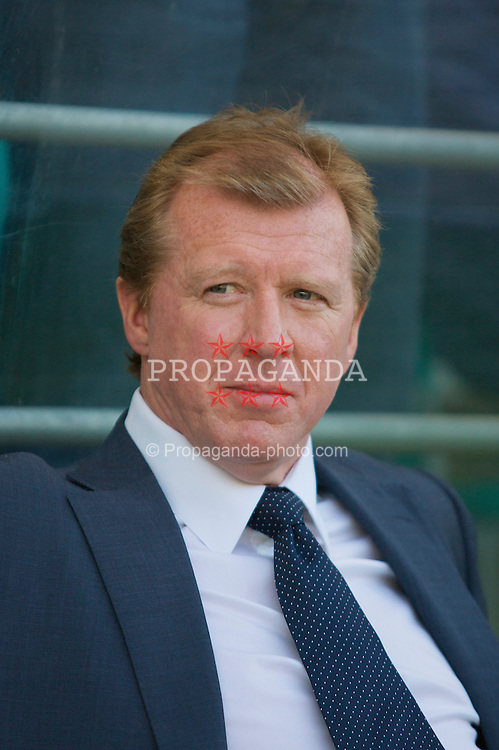 Tallinn, Estonia - Wednesday, June 6, 2007: England's head coach Steven McClaren before the UEFA Euro 2008 Qualifying Group E match against Estonia at Le Coq Arena. (Pic by David Rawcliffe/Propaganda)