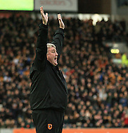 Steve Bruce Manager of Hull City appeals for a penalty during the Barclays Premier League match at KC Stadium, Hull<br /> Picture by Richard Gould/Focus Images Ltd +44 7855 403186<br /> 01/01/2015