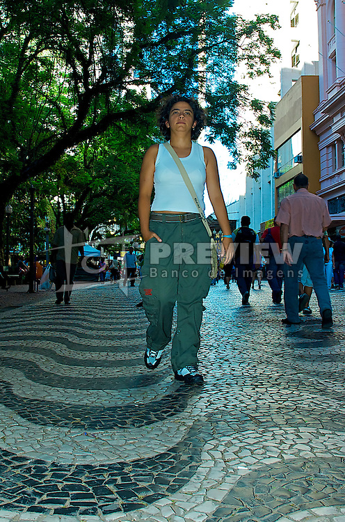 Rosimere de Oliveira, 38, tem união estável registrada em cartório com outra mulher desde 2001. Elas foram benficiadas com a decisão da justiça gaúcha dada pela desembargadora Maria Berenice Dias. FOTO: Lucas Uebel/Preview.com