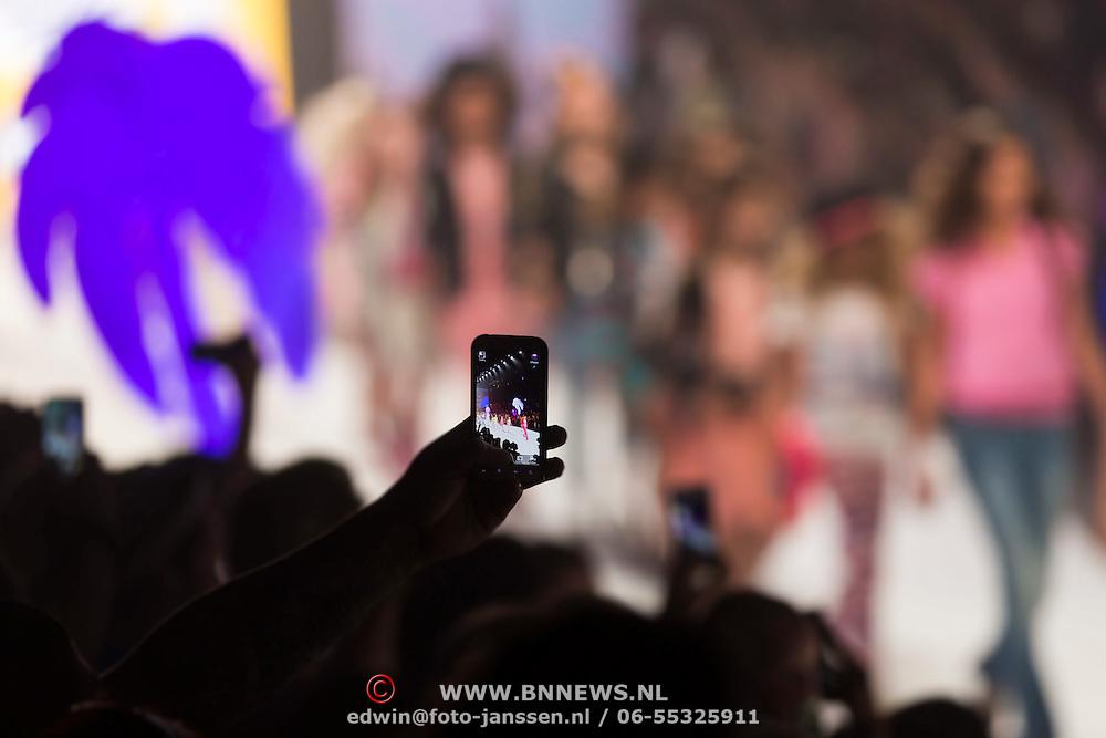 NLD/Amsterdam/20130713 - AFW 2013 Zomer, modeshow Supertrash Girls,