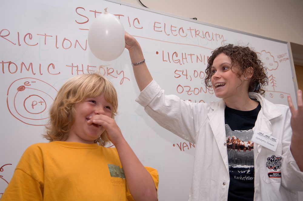 """Catalytic Coleen"" teaching static electricity to Dylan Rose &.Students from East Elementary, Jenn Wakeley's 5th grade class....Energy Days: over 1,000 kids in grades 3-6 at the Ping Center on .Wednesday and Thursday of next week (10/4 & 5) to learn about energy, .alternative energy and resource conservation."