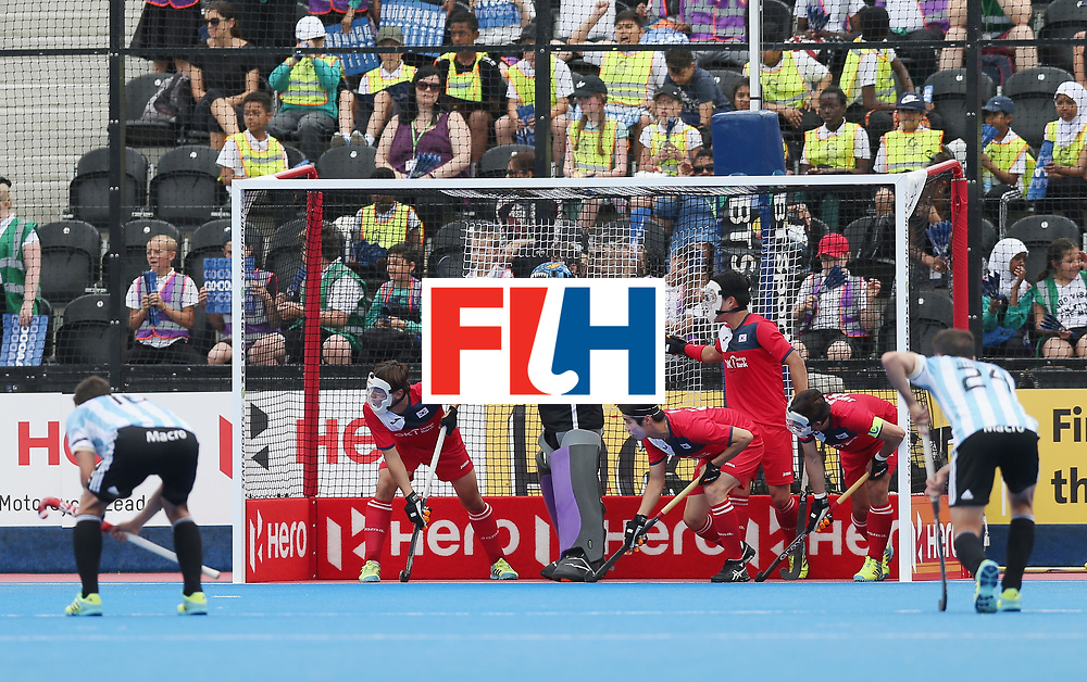 LONDON, ENGLAND - JUNE 15: Korea prepare to defend a penalty corner during the Hero Hockey World League Semi Final match between Korea and Argentina at Lee Valley Hockey and Tennis Centre on June 15, 2017 in London, England.  (Photo by Alex Morton/Getty Images)