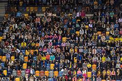 02-04-2016 NED: Draisma Dynamo - Abiant Lycurgus, Apeldoorn<br /> Lycurgus plaatst zich voor de finale door Dynamo met 3-1 te verslaan / publiek, tribune, support