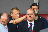 Picture by Paul Chesterton/Focus Images Ltd.  07904 640267.1/10/11.Ritchie De Laet points out something to Simon Lappin before the Barclays Premier League match at Old Trafford Stadium, Manchester.