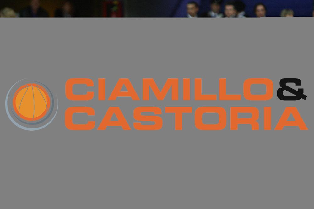 DESCRIZIONE : Pesaro Lega A 2010-11 Scavolini Siviglia Pesaro Cimberio Varese<br /> GIOCATORE : Luca Dalmonte<br /> SQUADRA : Scavolini Siviglia Pesaro <br /> EVENTO : Campionato Lega A 2010-2011<br /> GARA : Scavolini Siviglia Pesaro Cimberio Varese<br /> DATA : 23/01/2011<br /> CATEGORIA : coach ritratto<br /> SPORT : Pallacanestro<br /> AUTORE : Agenzia Ciamillo-Castoria/C.De Massis<br /> Galleria : Lega Basket A 2010-2011<br /> Fotonotizia : Pesaro Lega A 2010-11 Scavolini Siviglia Pesaro Cimberio Varese<br /> Predefinita :