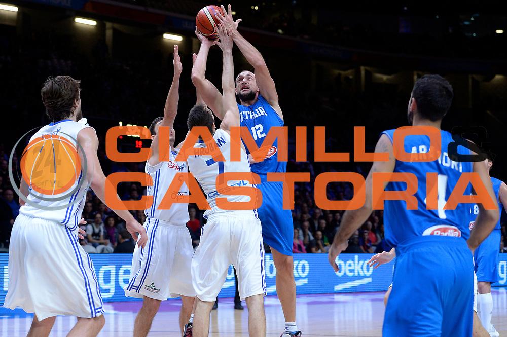 DESCRIZIONE : Lille Eurobasket 2015 Qualificazioni 5-8 posto Qualification 5-8 Game Italia Repubblica Ceca Italy Czech Republic<br /> GIOCATORE : Marco Cusin<br /> CATEGORIA : tiro<br /> SQUADRA : Italia Italy<br /> EVENTO : Eurobasket 2015 <br /> GARA : Italia Repubblica Ceca Italy Czech Republic<br /> DATA : 17/09/2015 <br /> SPORT : Pallacanestro <br /> AUTORE : Agenzia Ciamillo-Castoria/Max.Ceretti<br /> Galleria : Eurobasket 2015 <br /> Fotonotizia : Qualificazioni 5-8 posto Qualification 5-8 Game Italia Repubblica Ceca Italy Czech Republic