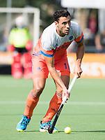 WAALWIJK -  RABO SUPER SERIE . Glenn Schuurman (Ned) tijdens  de hockeyinterland heren  Nederland-India (3-4),  ter voorbereiding van het EK,  dat vrijdag 18/8 begint.  COPYRIGHT KOEN SUYK