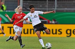16.06.2011, Bruchwegstadion, Mainz, FIFA WOMENS WORLDCUP 2011, Deutschland (GER) vs. Norwegen (NOR), im Bild Cecilie Pedersen (Norwegen, Avaldsnes) im Zweikampf mit Linda Bresonik (Deutschland #10, Duisburg) waehrend eines Vorbereitungsspiels // during a friendly match on 2011/06/16, Bruchwegstadion, Mainz, Germany. + EXPA Pictures © 2011, PhotoCredit: EXPA/ nph/  Roth       ****** out of GER / SWE / CRO  / BEL ******