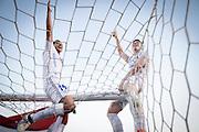 20161211/ Javier Calvelo - adhocFOTOS/ URUGUAY/ MONTEVIDEO/  DEPORTE - FUTBOL/ CAMPEONATO URUGUAYO ESPECIAL 2016 / 15&deg; FECHA/ Nacional ante Boston River en el Parque Central por la decimoquinta y &uacute;ltima fecha del Campeonato Uruguayo Especial 2016. Tras ganarle a Boston River, Nacional se coron&oacute; campe&oacute;n del Campeonato Uruguayo Especial 2016.<br /> En la foto: Gonzalo Porras y Santiago Romero en los festejos del Nacional campe&oacute;n del Campeonato Uruguayo Especial en el Parque Central. Foto: Javier Calvelo/ adhocFOTOS