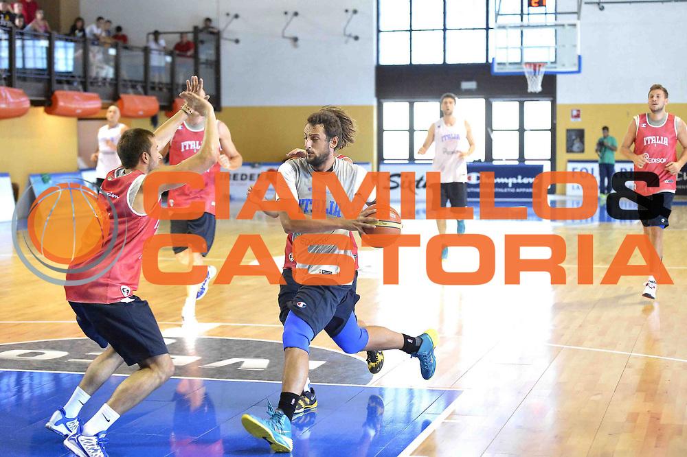 DESCRIZIONE : Folgaria Allenamento Raduno Collegiale  Nazionale Italia Maschile <br /> GIOCATORE : Marco Stefano Belinelli<br /> CATEGORIA : allenamento <br /> SQUADRA : Nazionale Italia <br /> EVENTO :  Allenamento Raduno Folgaria<br /> GARA : Allenamento<br /> DATA : 02/08/2013 <br />  SPORT : Pallacanestro<br />  AUTORE : Agenzia Ciamillo-Castoria/GiulioCiamillo<br />  Galleria : FIP Nazionali 2013<br />  Fotonotizia : Folgaria Allenamento Raduno Collegiale  Nazionale Italia Maschile <br />  Predefinita :
