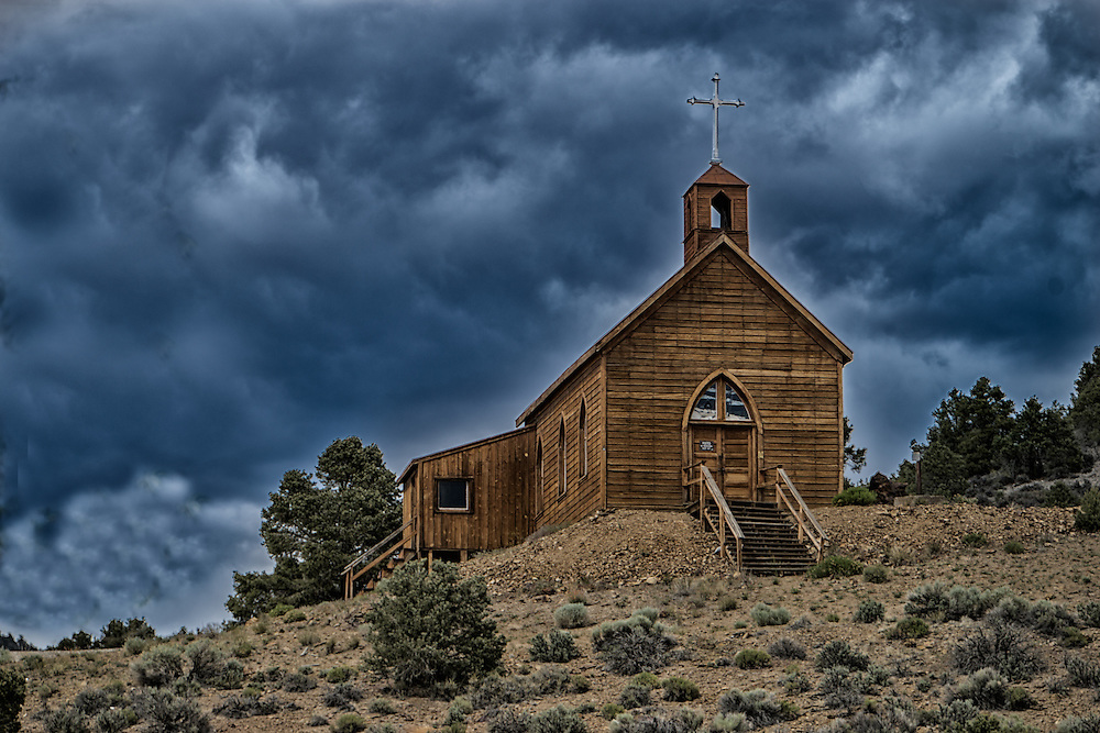 Ghost towns and Old mining towns in Nevada by Larry Hanna