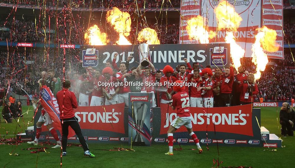 22 March 2015 - Johnstones Paint Trophy Final - Bristol City v Walsall - Bristol City celebrate winning the trophy.<br /> <br /> Photo: Ryan Smyth/Offside