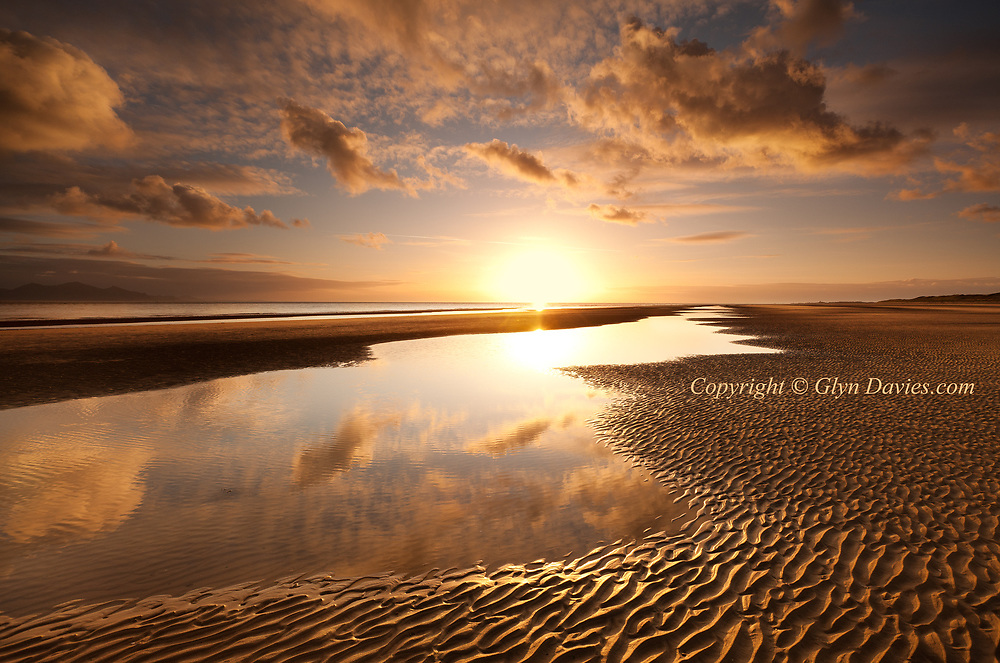 Available as 3 x A1 and 5 x A2 Limited editions plus unlimited smaller sizes A3 and A4..A short afternoon walk turned into a beautiful evening, on a magical and deserted beach, full of warmth after a cold start
