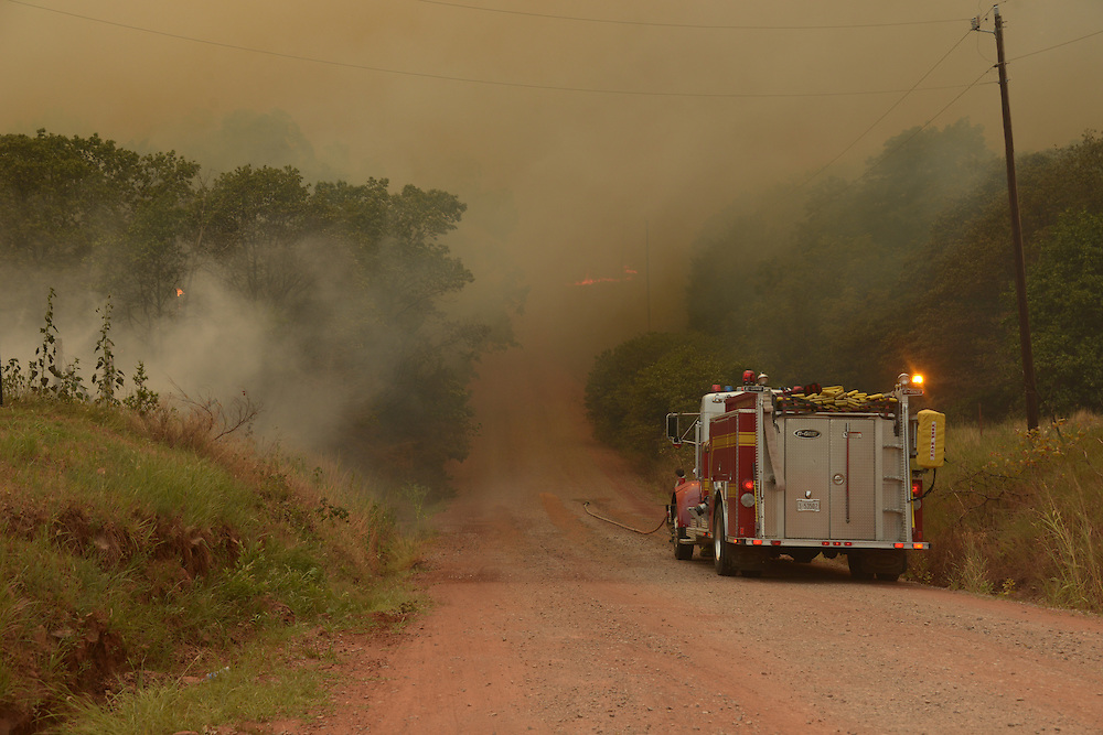 Wild Fire east of Stillwater consumed nearly 1000 acres and 8 structures.  Fire fighters from many neighboring communities helped get the fire under control.