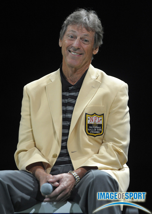 Aug 8, 2010; Canton, OH, USA; Dick LeBeau at the 2010 Pro Football Hall of Fame Enshrinees Gameday Roundtable at the Canton Civic Center.  Photo by Image of Sport