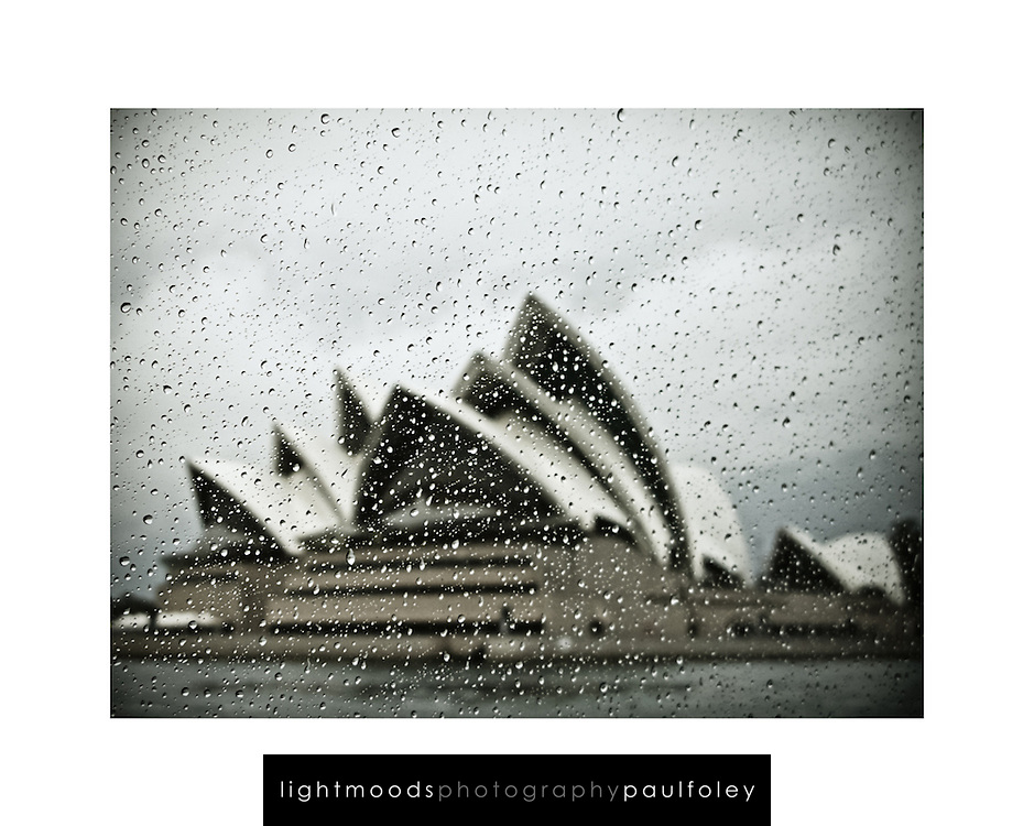 """Sample layout of a camera phone image suitable for an 8"""" x 10"""" frame.<br /> Actual image fits within 200 x 150mm. The size will vary with the format of your picture.<br /> The 'Lightmoods' watermark is not printed"""