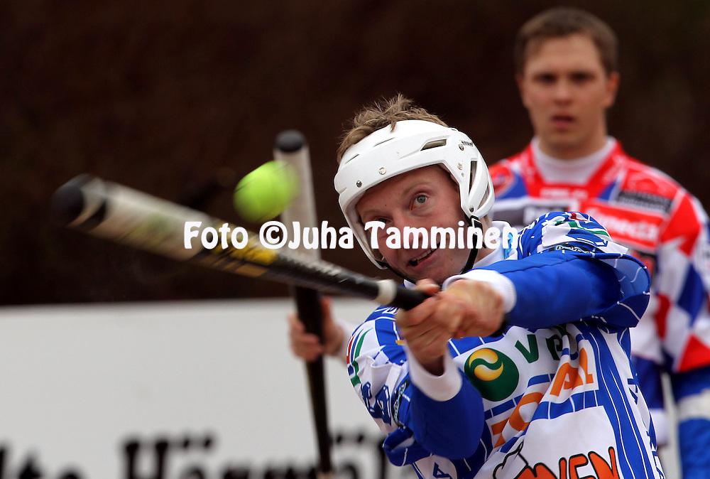17.5.2011, Pohjanlinnan pesisstadion, Kankaanp??..Superpesis 2011, Kankaanp??n Maila - Jyv?skyl?n Kiri..Atte Vatanen - Kiri.