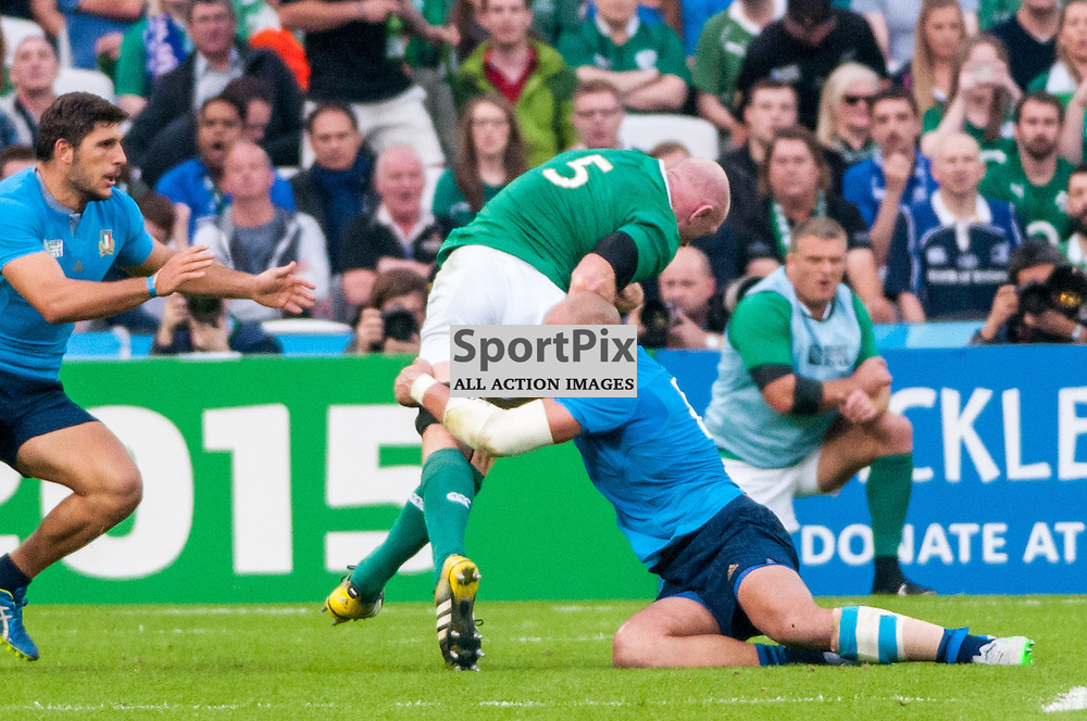 Paul O'Connell captain of Ireland is tackled by Sergio Parisse captain of Italy. Action from the Ireland v Italy pool game at the 2015 Rugby World Cup at Queen Elizabeth Stadium in London, 4 October 2015. (c) Paul J Roberts / Sportpix.org.uk