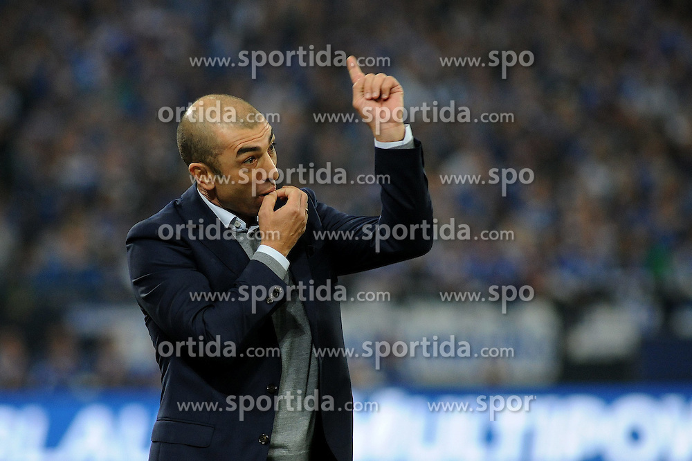 31.10.2014, Veltins Arena, Gelsenkirchen, GER, 1. FBL, Schalke 04 vs FC Augsburg, 10. Runde, im Bild Trainer Roberto di Matteo ( Schalke 04 ) gibt pfeifend Anweisungen. // during the German Bundesliga 10th round match between Schalke 04 and FC Augsburg at the Veltins Arena in Gelsenkirchen, Germany on 2014/10/31. EXPA Pictures &copy; 2014, PhotoCredit: EXPA/ Eibner-Pressefoto/ Thienel<br /> <br /> *****ATTENTION - OUT of GER*****