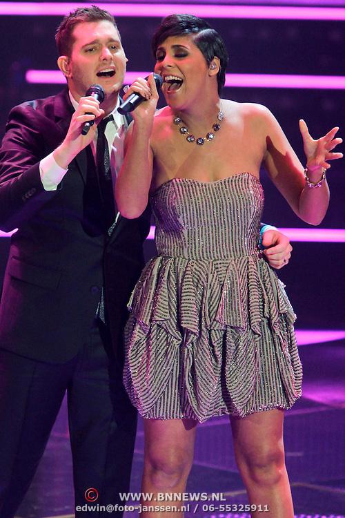 NLD/Hilversum/20111209- The Voice of Holland 2011, 2de live uitzending, optreden Michael Bublé en Michelle Flemming