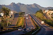 Igarape_MG, Brasil...BR 381 em Igarape, Minas Gerais...The righway BR 381 in Igarape, Minas Gerais...Foto: LEO DRUMOND / NITRO