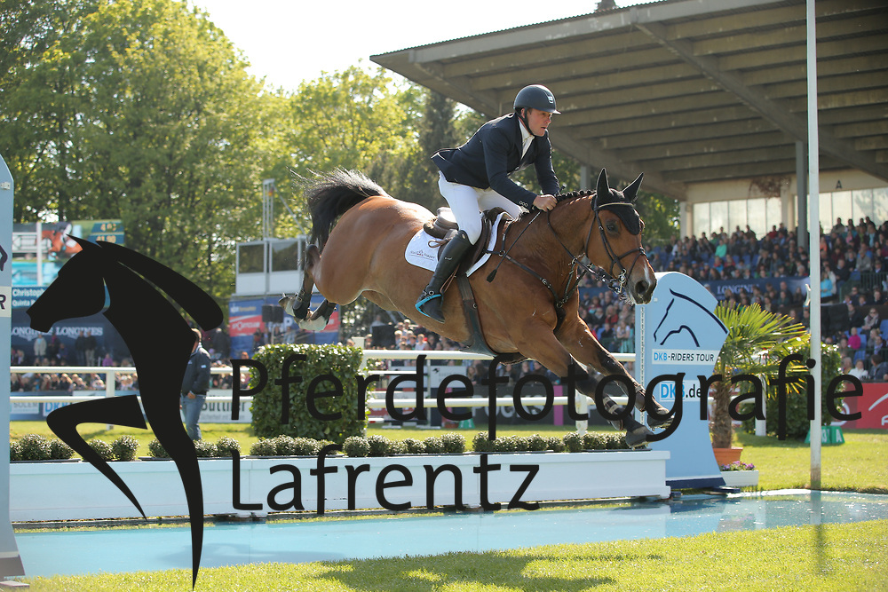 Frazer, Christopher, Quinta Ruban<br /> Hamburg - Hamburger Derby 2015<br /> 2. Qualifikation zum Deutschen Springderby<br /> Riders Tour Wertungsprüfung<br /> © www.sportfotos-lafrentz.de/Stefan Lafrentz