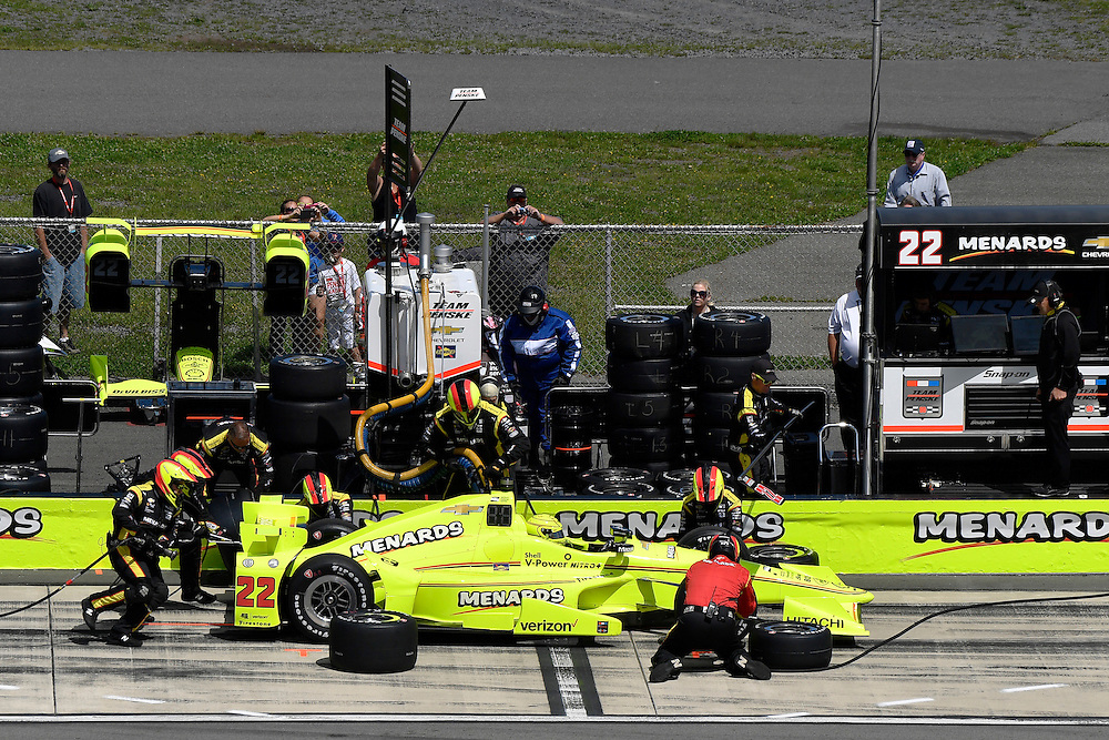 20-21 August, 2016, Long Pond, Pennsylvania USA<br /> Simon Pagenaud, pit stop<br /> &copy;2016, Scott R LePage <br /> LAT Photo USA