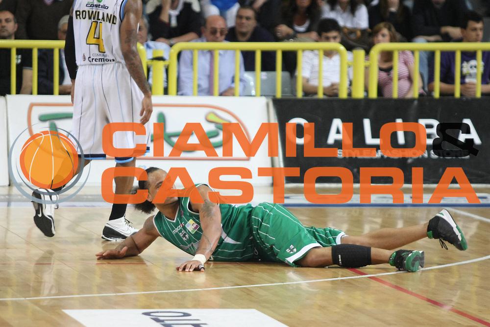 DESCRIZIONE: Cremona  Lega A 2009-10 Vanoli Cremona  Air Avellino<br />GIOCATORE: Chevon Troutman<br />SQUADRA : Air Avellino<br />EVENTO: Campionato Lega A 2009-10<br />GARA:  Vanoli Cremona   Air Avellino<br />DATA:  16/05/2010<br />CATEGORIA: Equilibrio<br />SPORT: Pallacanestro<br />AUTORE: Agenzia Ciamillo-Castoria/F.Zovadelli<br />GALLERIA: Lega Basket A 2009-2010<br />FOTONOTIZIA: Cremona  Campionato  Italiano Lega A 2009-2010 <br />Vanoli Cremona  Air Avellino