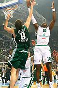 DESCRIZIONE : Atene Eurolega 2008-09 Quarti di Finale Gara 1 Panathinaikos Montepaschi Siena<br /> GIOCATORE : Romain Sato<br /> SQUADRA : Montepaschi Siena<br /> EVENTO : Eurolega 2008-2009<br /> GARA : Panathinaikos Montepaschi Siena<br /> DATA : 24/03/2009<br /> CATEGORIA : tiro<br /> SPORT : Pallacanestro<br /> AUTORE : Agenzia Ciamillo-Castoria/Action Images.gr<br /> Galleria : Eurolega 2008-2009<br /> Fotonotizia : Siena Eurolega 2008-09 Panathinaikos Montepaschi Siena<br /> Predefinita : si
