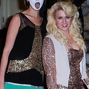 NLD/Amsterdam/20121112 - Beau Monde Awards 2012, Britt Dekker en Ymke Wieringa