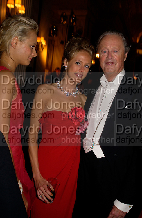 Kalita Al-Swadi, Lady Alexandra Spencer-Churchill and The Duch of Marlborough. Ball at Blenheim Palace in aid of the Red Cross, Woodstock, 26 June 2004. SUPPLIED FOR ONE-TIME USE ONLY-DO NOT ARCHIVE. © Copyright Photograph by Dafydd Jones 66 Stockwell Park Rd. London SW9 0DA Tel 020 7733 0108 www.dafjones.com