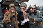 DIANA WILLIAMS; CAROL BRADSHAW; SUE BARTHOLOMEW, Heythrop Point to Point. At a  new course at Cocklebarrow near Aldsworth. 11 January 2014