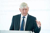 06 JUN 2018, BERLIN/GERMANY:<br /> Dr. Rolf Martin Schmitz, Vorstandsvorsitzender RWE AG, 27. BBH-Energiekonferenz &quot;Die Energiewende&quot;, Franzoesische Friedrichstadtkirche<br /> IMAGE: 20180606-01-093
