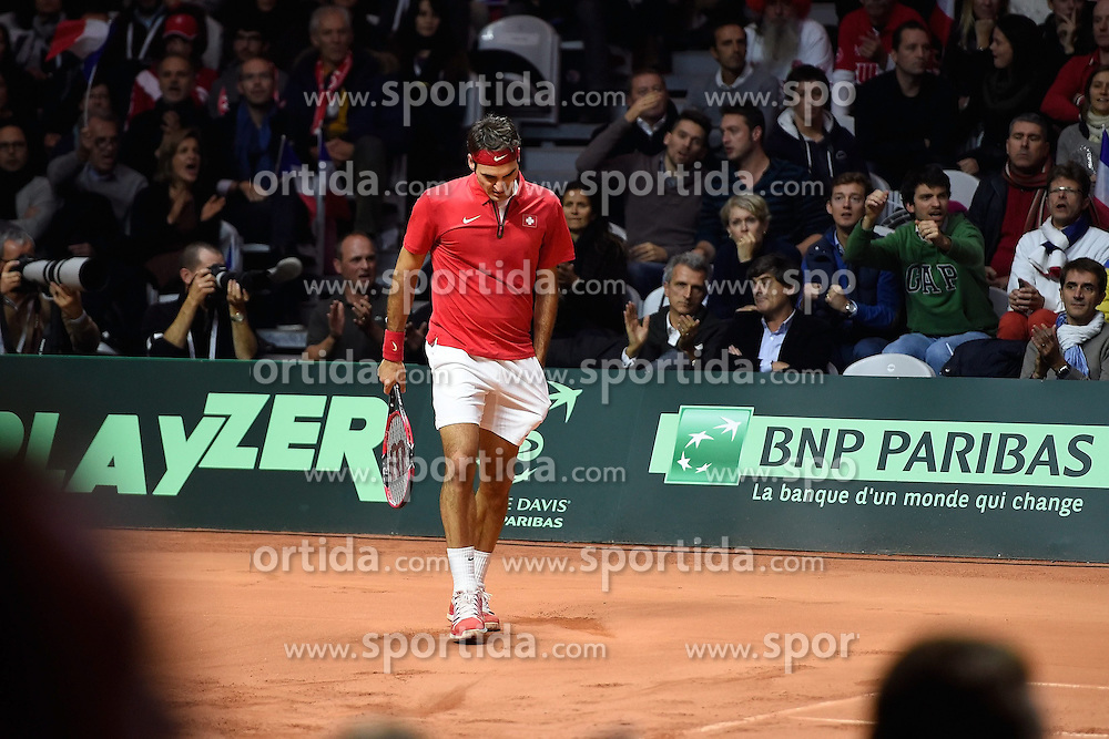 21.11.2014, Stade Pierre Mauroy, Lille, FRA, Davis Cup Finale, Frankreich vs Schweiz, im Bild Roger Federer (SUI) // during the Davis Cup Final between France and Switzerland at the Stade Pierre Mauroy in Lille, France on 2014/11/21. EXPA Pictures &copy; 2014, PhotoCredit: EXPA/ Freshfocus/ Daniela Frutiger<br /> <br /> *****ATTENTION - for AUT, SLO, CRO, SRB, BIH, MAZ only*****